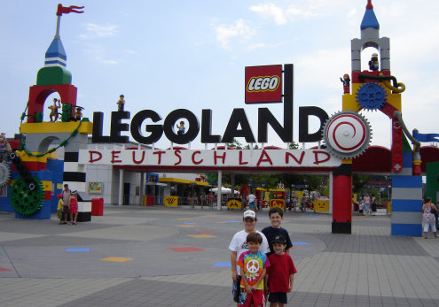 http://scottishlamb.typepad.com/photos/uncategorized/legoland.jpg